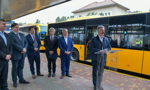 Új autóbuszok Fejérben